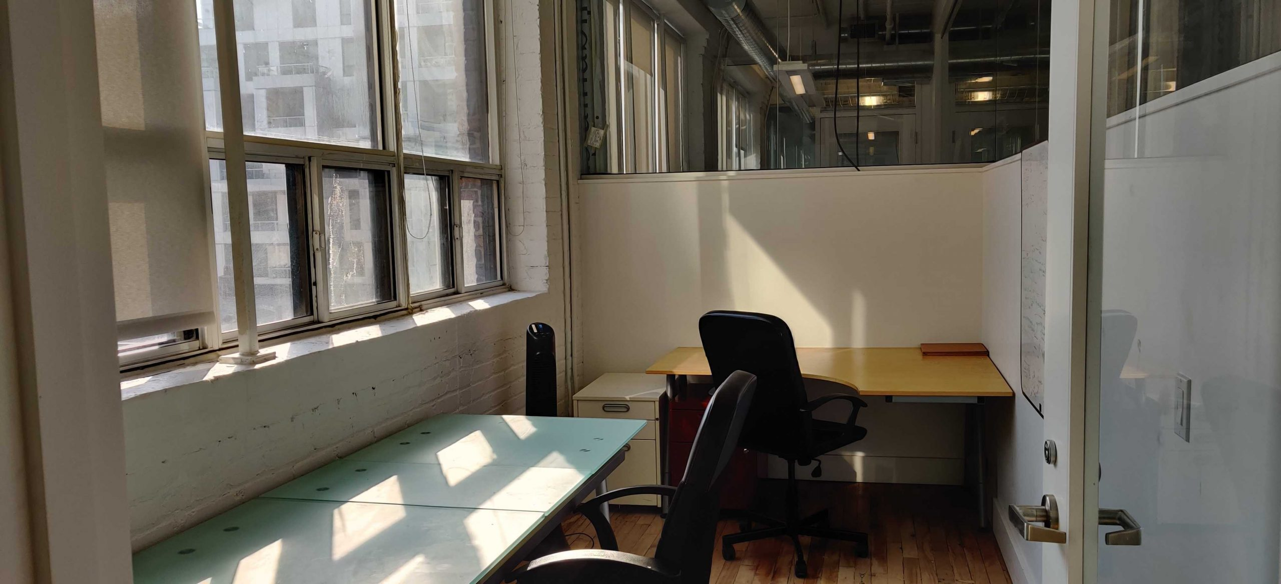 CSI Spadina #412 is a private office with lots of natural light. Perfect for small teams of 2-4.